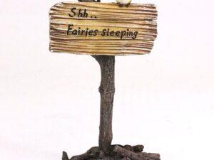 """""""Shh.. feerne sover"""" have fe skilt"""