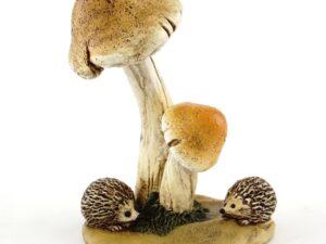 Pindsvin under svampe