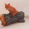 Ræveunger på træstub